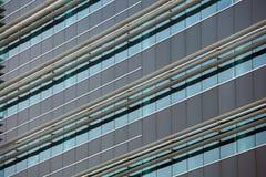 编译现代 与门面的现代办公楼 库存图片