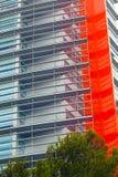 编译现代 与门面的现代办公楼 图库摄影