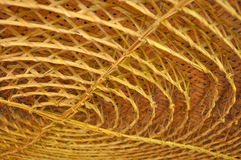 编织在天花板装饰的圈子形状的竹子 库存图片