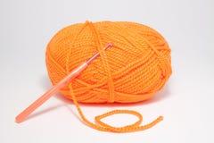 编织的羊毛在白色背景 免版税图库摄影