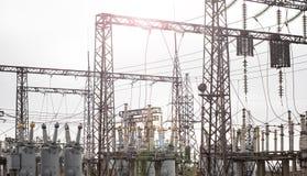 缚住许多工厂发电站转换电汇 免版税库存图片