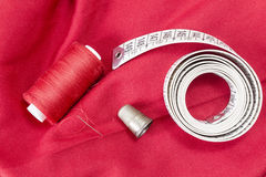 缝合的工具和针线包 库存照片