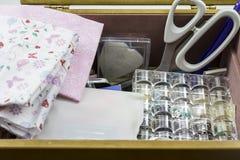 缝合的箱子 库存图片