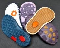 缝合的鞋子 修理鞋子 生产设计师鞋子 赞成鞋类 免版税库存照片