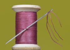 缝合针线短管轴和针 免版税库存照片