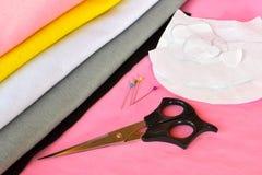 缝合集合为毛毡猫头鹰-如何做猫头鹰手工制造玩具 免版税库存照片