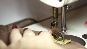 缝纫机接近的录影 股票录像