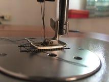 缝纫机的特写镜头照片 库存图片