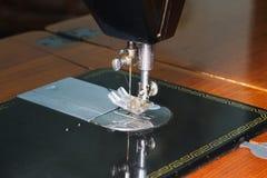 缝纫机的特写镜头针 库存图片