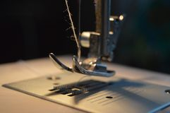 缝纫机,当制造时 图库摄影