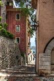 缩小的小巷taormina 免版税库存照片