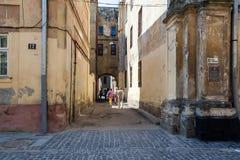 缩小的老街道城镇 库存照片