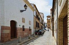 缩小的街道在古老格拉纳达 免版税库存图片