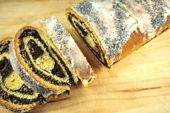 罂粟的种子蛋糕 免版税库存图片
