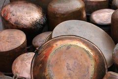 罐和平底锅 免版税库存图片