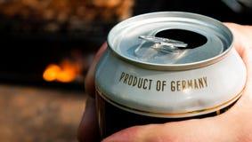 罐头啤酒和德国的题字产品 免版税库存照片