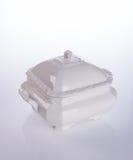 罐或陶瓷食物罐在背景 免版税库存照片