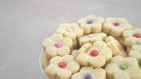 罐甜和五颜六色的蛋糕食物 免版税图库摄影