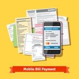 网上流动智能手机票据付款 库存照片