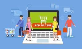 网上购物概念,人们在有电子商务象的便携式计算机上走 免版税库存照片