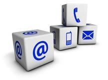 网与我们联系蓝色象立方体 免版税库存照片