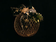 网状的圣诞树球 库存图片