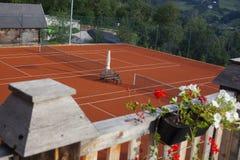网球员的准备的网球领域 库存照片