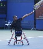 网球员从南非的卢卡斯Sithole在美国公开赛2013年轮椅方形字体期间选拔比赛 免版税库存图片