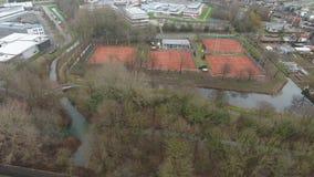 网球场鸟瞰图,兹韦恩德雷赫特,荷兰 股票视频