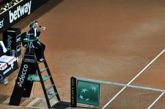网球裁判员,椅子审判员 免版税库存图片