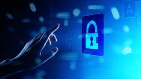 网络安全,个人资料保护,信息保密性 在虚屏上的挂锁象 概念查出的技术白色 免版税图库摄影
