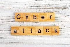 网络用木块概念做的攻击词 库存照片