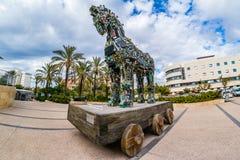 网络马,电脑程式内的病毒雕塑在特拉维夫大学的 免版税图库摄影