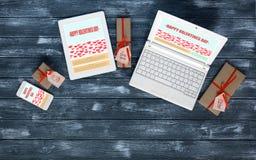 网设计师工作地点在情人节 免版税图库摄影