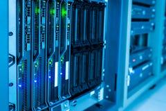 网络服务系统在数据屋子里 库存照片