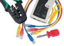 网络测试器和卷曲工具有RJ45连接器的 免版税库存图片
