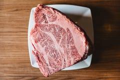 罕见的地道A5与使高有大理石花纹的纹理的等级日本Wagyu牛肉小腓厉牛排 无骨和水多为做沙埠和寿司 库存图片
