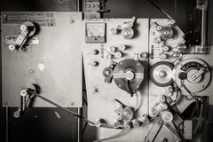 罕见的工业戏院35mm电影打印机细节葡萄酒 免版税图库摄影