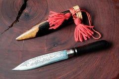 罕见的有木刀子衣领或盖子的葡萄酒减速火箭的刀子 spea 免版税库存照片