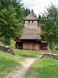 罕见的木教会在Zuberec 免版税库存照片