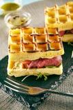 罕见的牛肉奶蛋烘饼三明治 库存照片
