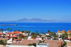 从Corralejo的罗伯斯海岛在费埃特文图拉岛,加那利群岛, Sp 免版税库存图片