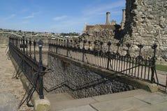 罗切斯特城堡楼梯或庭院入口在英国 免版税库存图片
