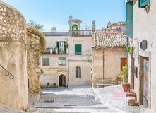 罗坎蒂卡,意大利列蒂省的,拉齐奥意大利农村中世纪村庄 免版税图库摄影