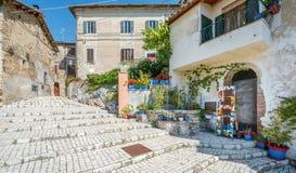 罗坎蒂卡,意大利列蒂省的,拉齐奥意大利农村中世纪村庄 库存图片