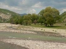 罗多彼州山的河,保加利亚 免版税库存照片