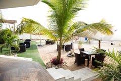 罗安达海滩-餐馆,酒吧Deck_Luxury 免版税库存图片
