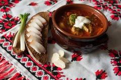 罗宋汤-一个传统乌克兰盘 免版税库存照片