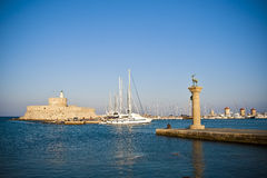 Mandraki港口,罗得岛,希腊 库存图片