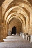 罗得岛考古学博物馆骑士的医院的中世纪大厦。 图库摄影